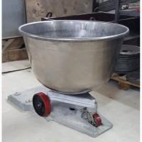 Дежа 140 литров из нержавеющей стали на чугунной каретке
