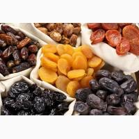 Сухофрукты: курага, чернослив, изюм, финики