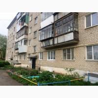Продам двухкомнатную квартиру в центре Сысерти