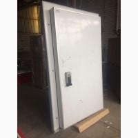 Холодильная дверь 80мм 800х1950 ппу(пур). В наличии