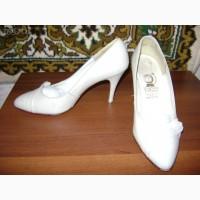 Продам женские импортные туфли размер от 39 до 41 кожа новые и чуть б/у