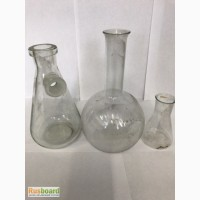 Лабораторная посуда из стекла и фарфора с хранения