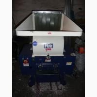 Продам очень хорошую дробилку для твердых пластиков HSS-400а